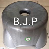 Bangku Jongkok (K) Plastik 50 kg Silver