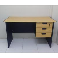 Meja kantor 120x60x75 termasuk laci gantung (berch)