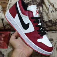 Sepatu nike air Jordan putih merah lis hitam Ukuran 36 ' 45 42 39