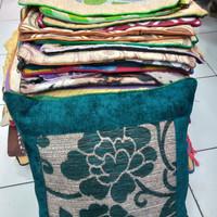 Sarung bantal sofa/Kursi 40cm×40cm.Bebas Pilih Warna.