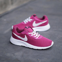 Sepatu lari wanita nike tanjun red maroon DISKON!