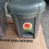 Tempat Sampah Injak Segi 15 liter Abu-Abu LIVINA SL Plast