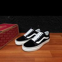 Sepatu Sneakers pria big size jumbo Vans old Skool classic. 44 45 46