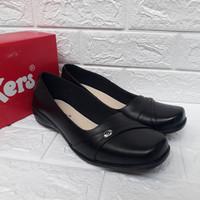 Sepatu Pantofel Wanita Kulit Kerja Formal Kickers - 38, Hitam