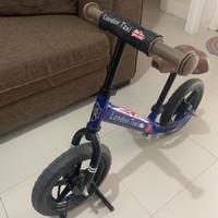 Sepeda Balance Bike London Taxi