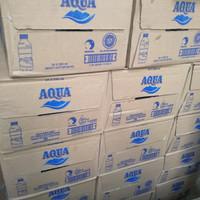 aqua air mineral botol 330ml dus (isi 24pcs) (Hanya Gojek/Grab)