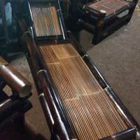bale/bangku bambu
