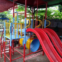Ayunan anak tk paud dan taman playground rumah perosotan