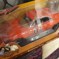 Autoworld auto world Dodge Charger General Lee