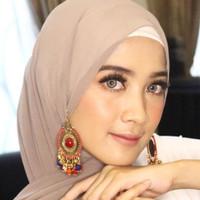 Aksesoris peniti bohlam anting hijab etnik vira rumbai multiwarna