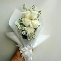 Buket bunga mawar asli wisuda ulang tahun