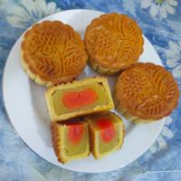Moon cake telur / Tiongcu pia/ kue bulan isi kuning telur asin