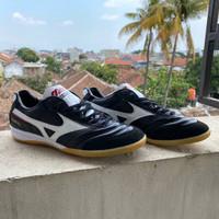 Sepatu Futsal Mizuno Morelia Leather Black White
