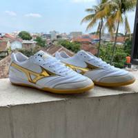Sepatu Futsal Mizuno Morelia Leather White Gold
