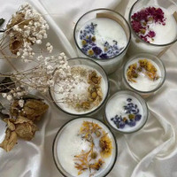 Scented Candle Aromatherapy with dried flowers 75gr