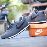 ( Jumbo ) Sepatu Sneakers Nike Waffle Trainer Abu Hitam Casual Pria