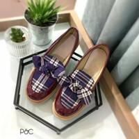 sepatu wanita / flat shoes / sepatu docmart