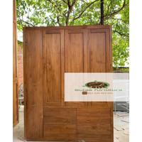 lemari minimalis 4 pintu/ lemari pakaian 3 pintu minimalis jati