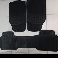 Karpet karet hitam 3 Potong Mobil Datsun Go