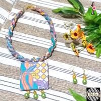 Kalung Batik Wanita Tali Plintir dan Anting - Biru 1