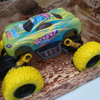 mainan die cast mobil off road metal/mainan anak