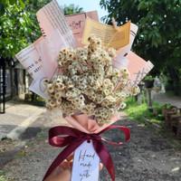 Buket bunga edelweis wisuda