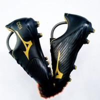 Sepatu Bola Mizuno Basara 103 Black gold