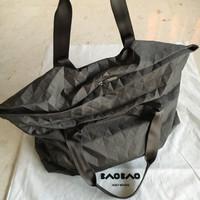 BAOBAO ISSEY MIYAKE Duffle Bag Limited Edition Authentic Japan Tas Ori