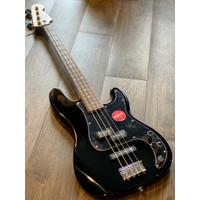 Squier Affinity Precision Bass PJ - Black with laurel FB