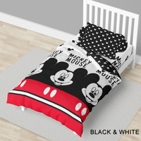 Sprei California Black & White / Mickey Mouse - Ukuran 100x200 & 120x