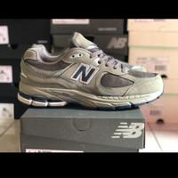 Sepatu New Balance 2002R Light Grey For Man Premium Original