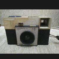 kamera analog film Kodak instamatic 25 antik jadul lawas vintage