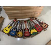 Ukulele atau gitar kentrung 4 senar