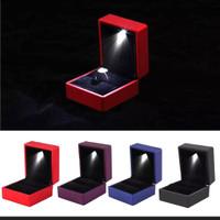 KOTAK PERHIASAN/KOTAK CINCIN LAMPU LED/BISA UNTUK GELANG/ANTING /DLL.
