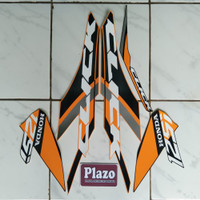 striping motor stiker Vario techno 125 fi thailand 2019 orange-hitam