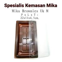 Mika Brownies M / Mika Plastik Tempat Brownies Ukuran M.