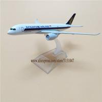 Miniatur Diecast Pesawat Terbang Singapore Airlines Bahan Besi