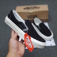 sepatu Vans slipon black white og import casual tanpa tali murah keren