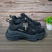 Sepatu Balenciaga Triple S All Black Premium Original