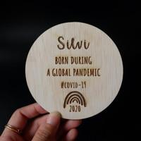 Wooden Plaque  Properti Foto Bayi Newborn (Bisa Custom Grafir Nama) - STANDARD
