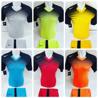 Baju Futsal Jersey Olahraga Kaos Seragam Sepak Bola Setelan Nike