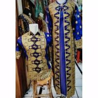 couple batik songket