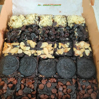 Brownies Fudgy 20x20 / Brownies panggang Original Topping 1loyang - Topping Mix