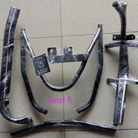 Tubular Tubullar pelindung body motor Honda Beat PGM-FI Beat fi hitam