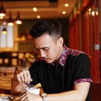 Kemeja Baju Kaos Polo T-shirt Kerah Batik Pria Casual Distro Hitam