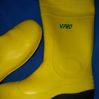 sepatu safety PVC Boot vPro sepatu proyek bahan karet ujung besi