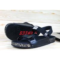 sandal terbaru pria/ sandal casual/ sandal terbaru