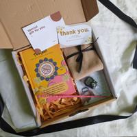 Hampers/ Souvenir/ Hadiah Paket Muslimah / Cewe Lebaran Murah