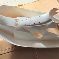 legshield sayap Honda Astrea prima putih