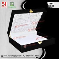 Box Plakat Bludru Dark Murah Surabaya